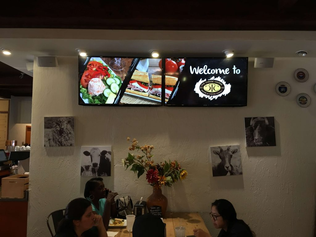 Digital Promotional Screens for Restaurant